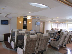 瀬戸内海汽船の高速船「スーパージェット」のスーパーシート